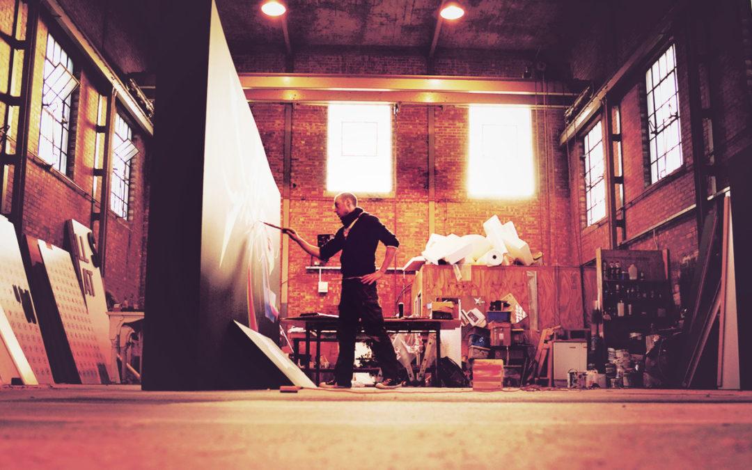 Tom Lohner in seinerm Atelier