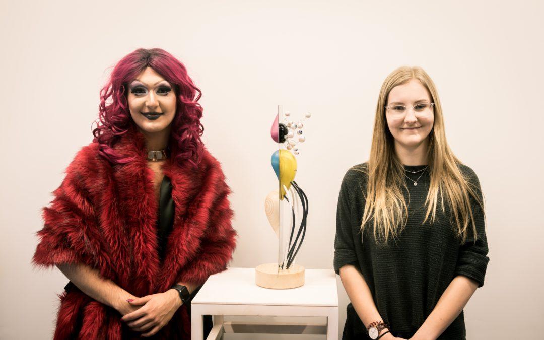 HTBLA-Schülerin designt Preis für unsere Miss/Mister Tuntenball-Wahl